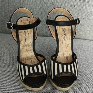Shoes - Platform Sandals with Black and White Strips